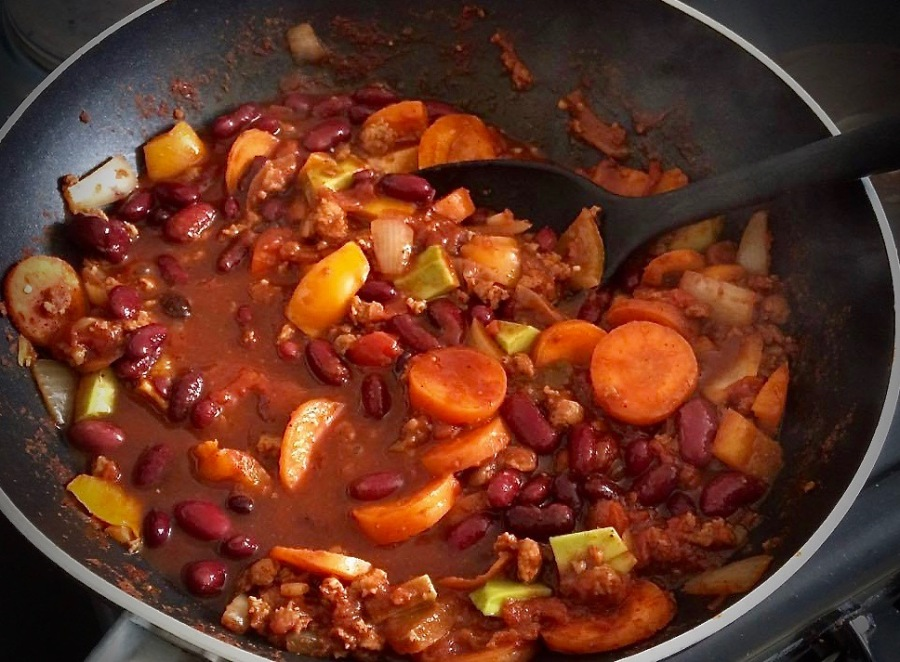 RECIPE: Meat-Free Chilli and Baked Potato | #ThisGirlEats