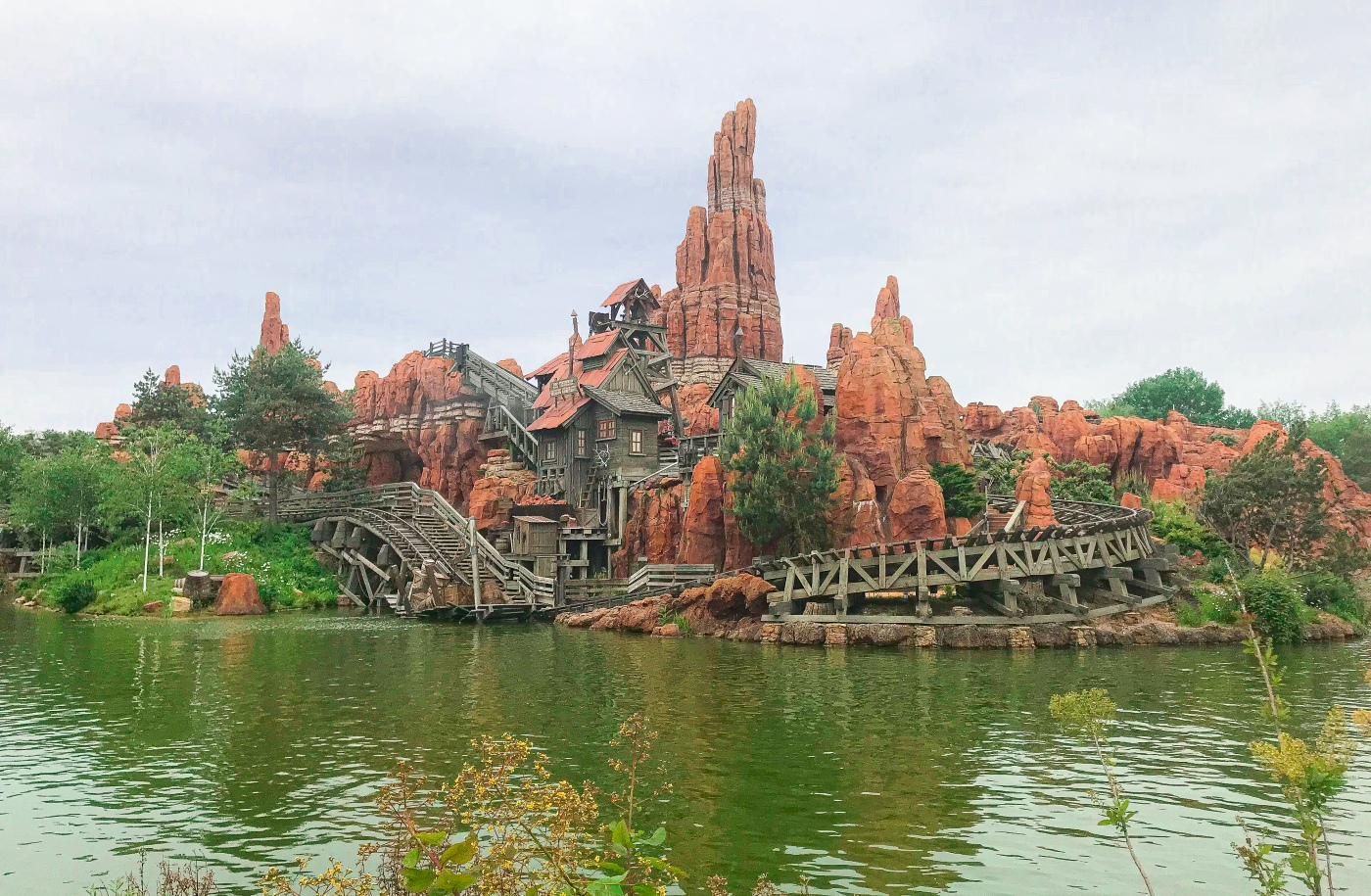 A view of Big Thunder Mountain from Frontierland in Disneyland Paris