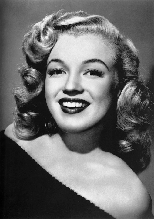 Black and white shot of Marilyn Monroe
